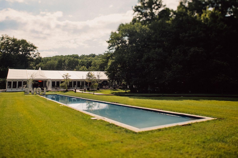 Resort s bazenom